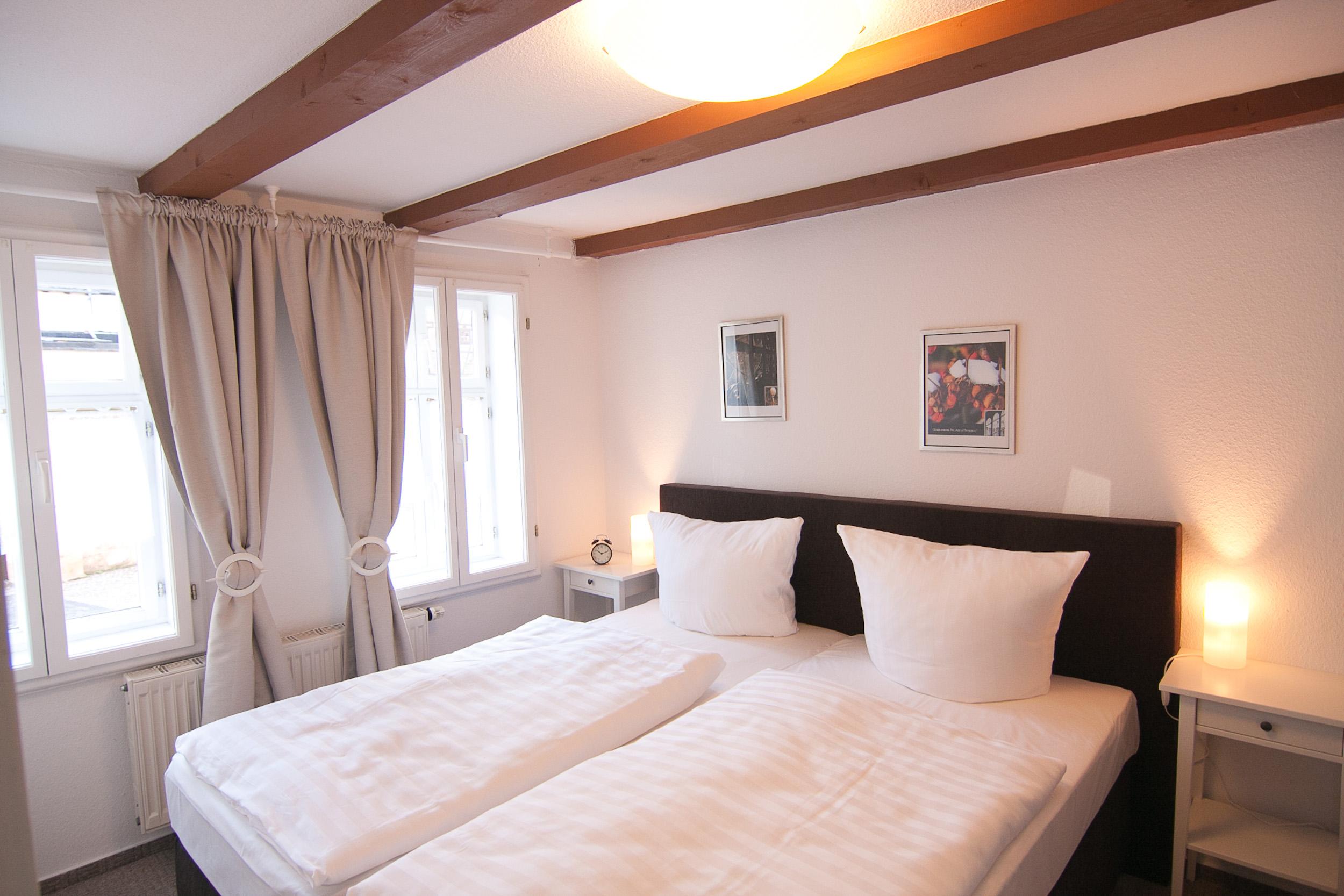 Schlafzimmer mit Boxspringbett 180cm x200cm